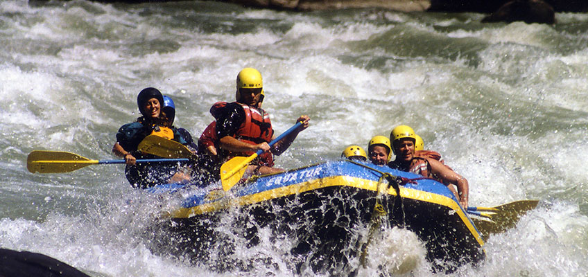 white water rafting nepal