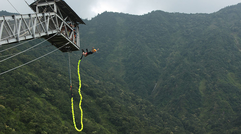 Bungee jumping iin Pokhara